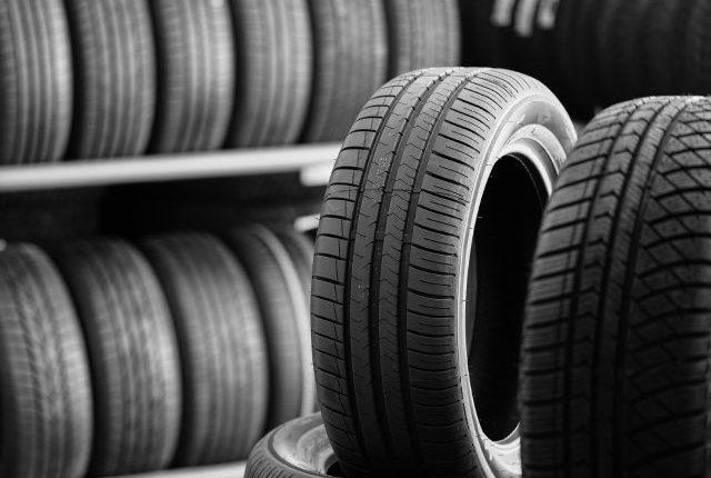 Atención conductor, estos neumáticos estarán prohibidos a partir del 1 de noviembre